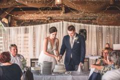 Svatební krájení dortu