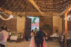 Stodola svatba světýlka