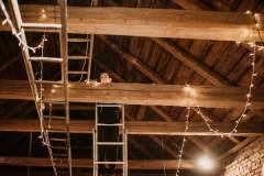 instalace-svetylek-ve-stodole
