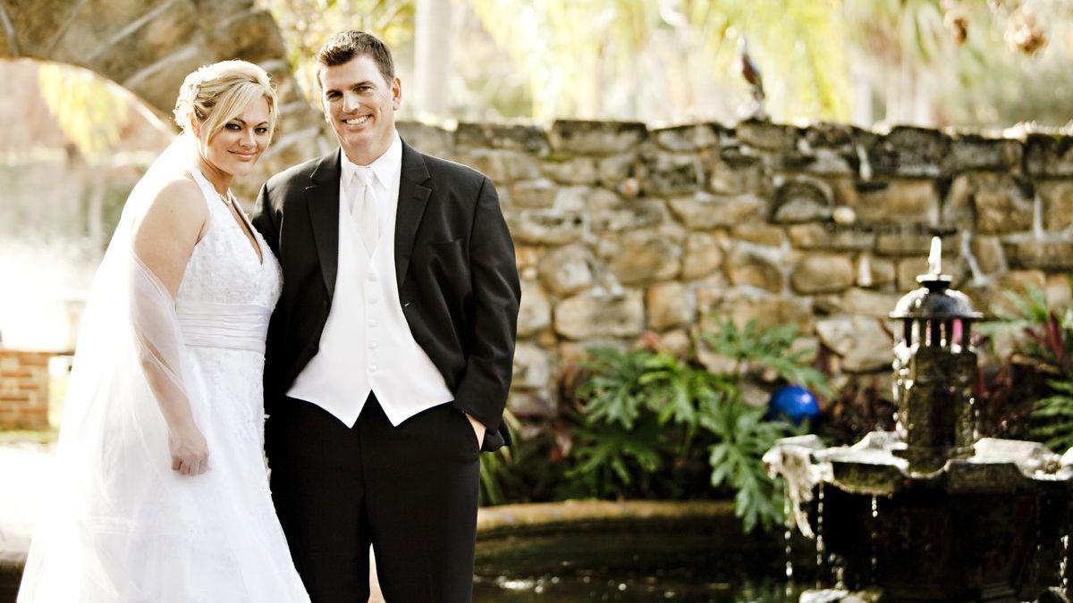 Novomanželé foceni po obřadu