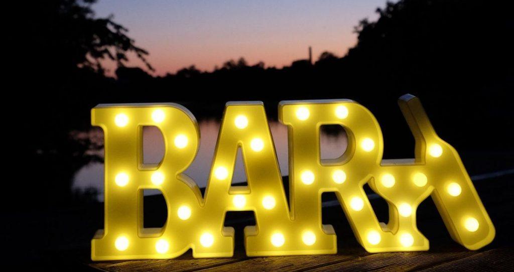 Светящаяся надпись BAR