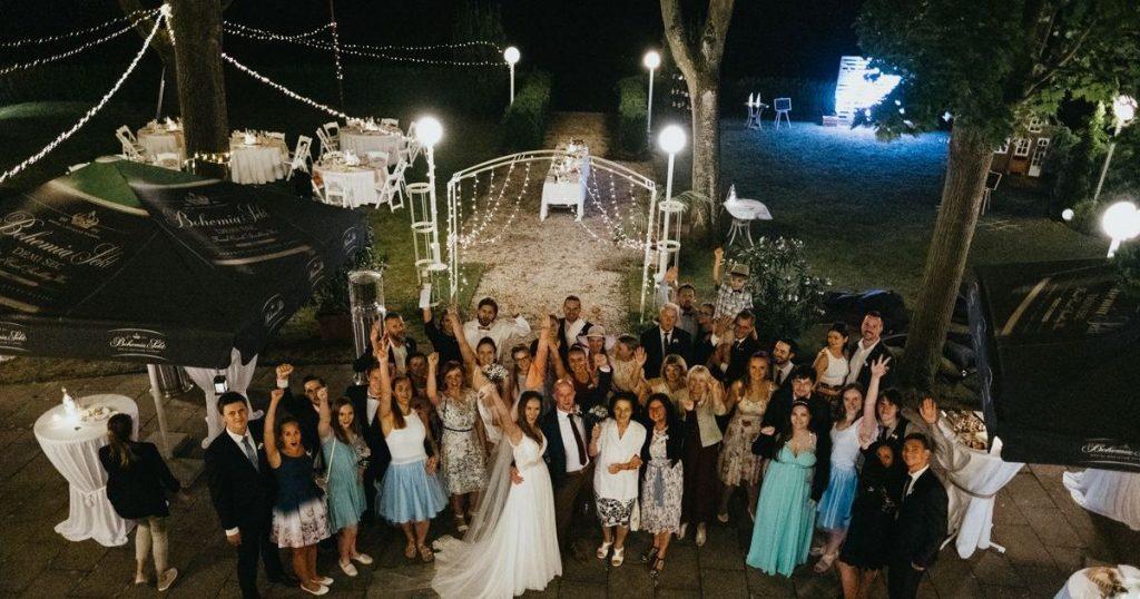 skupinová svatební fotografie