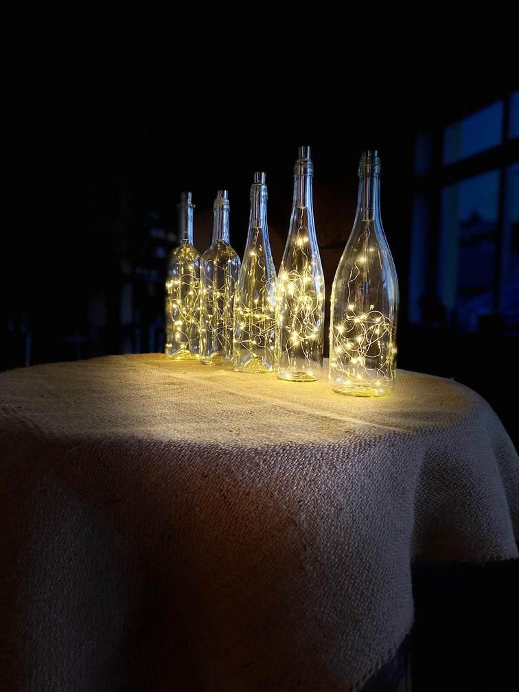 světelná dekorační láhev