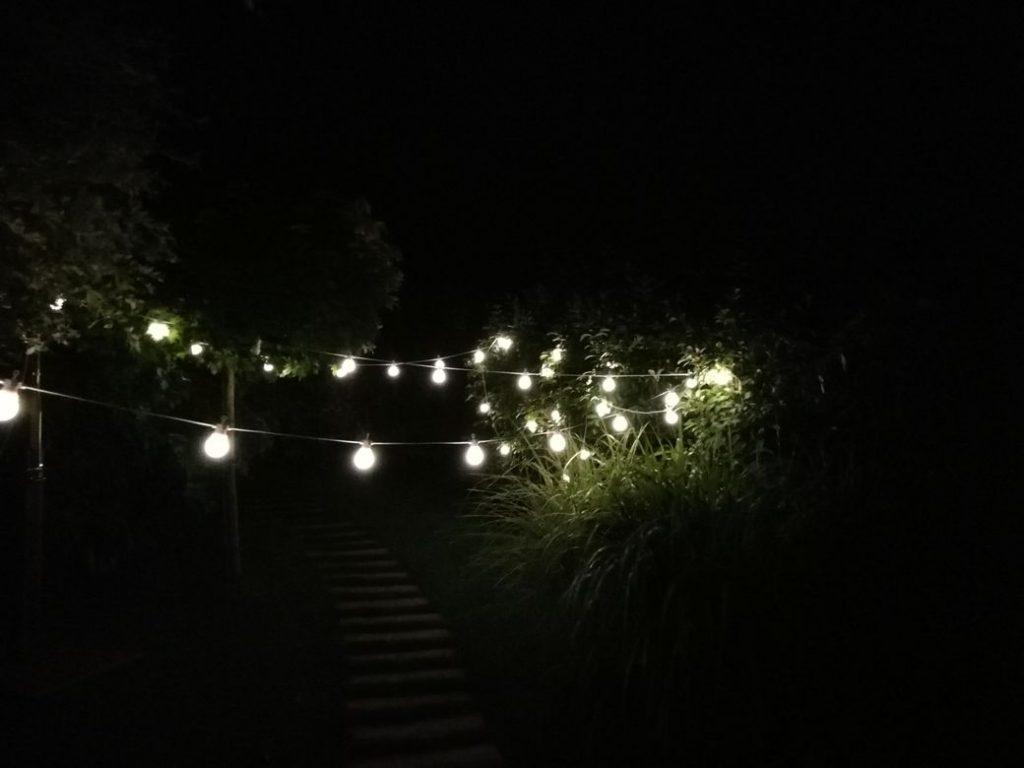 žárovkový řetěz na svatbu